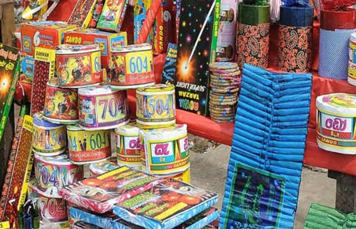 ban on foreign crackers