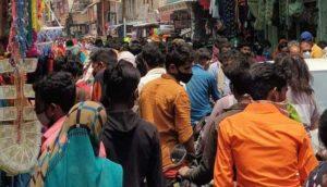 dhar-crowd