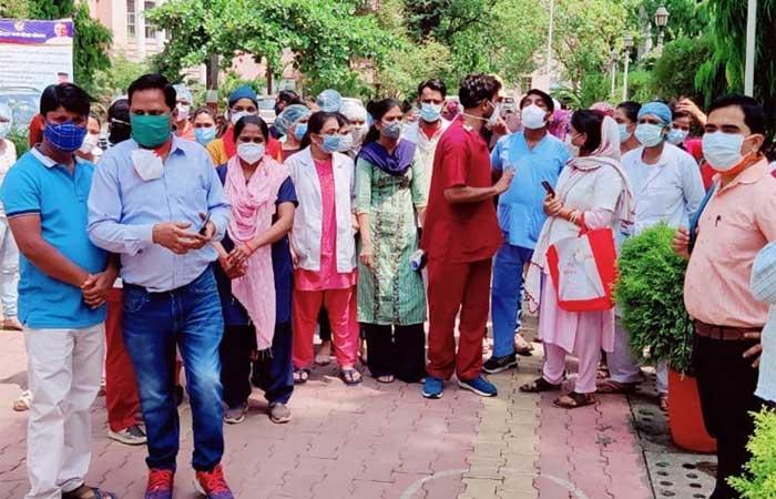 nurse-staff-protest